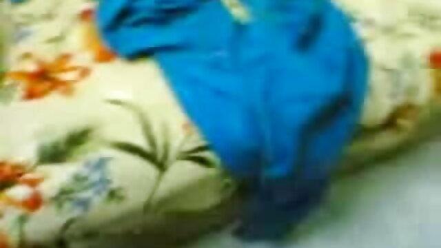 వులను కౌగిలింతల ఒక ఇరుకైన స్ట్రిప్ ఫుల్ తెలుగు సెక్స్ వీడియో