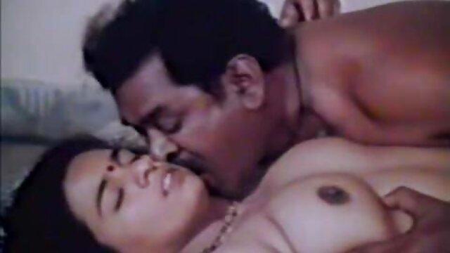ఒక మనిషి ఒక తెలుగు sexx అందమైన అమ్మాయి ఒక ఆత్మవిశ్వాసం ప్రవేశిస్తుంది