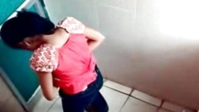 ఒక తండ్రి అందమైన అమ్మాయి తెలుగు sex videos మానభంగం