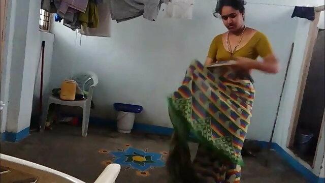 డైరెక్టర్ తో సాధన సెక్స్ వీడియోలు తెలుగు పెట్టండి