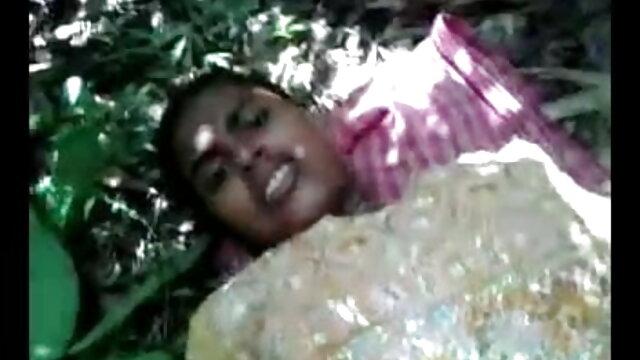 ఆమె దాదాపు ఆవిర్భవించినది. తెలుగు సెక్స్ బిట్లు నాకు నా పూకు నాశనం