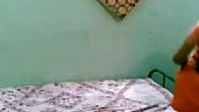 ముసుగు తెలుగు సెక్స్ వీడియో మూవీస్ మనిషి ఒక అమ్మాయి ఆకర్షించింది మరియు రేప్ కోసం ఆమె ఆకర్షించి