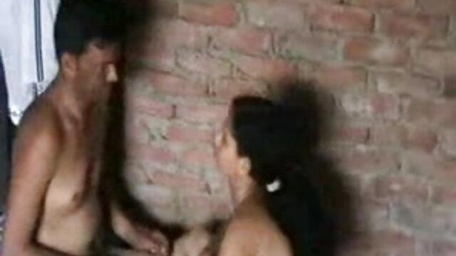 ఆమె భర్త తెలుగు సెక్స్ బిఎఫ్ వీడియో యొక్క లిప్స్ తో ప్లే యువ తల్లి