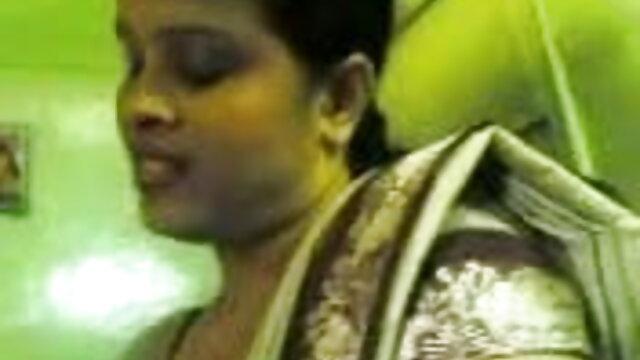 బాత్రూంలో బాత్రూమ్ చూడటానికి వేచి తెలుగు సెక్ష్ వీడియోలు