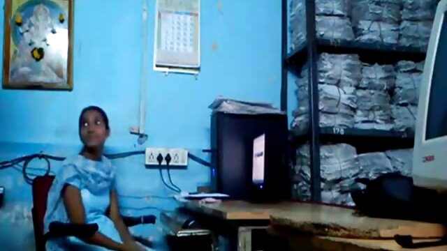Deadlo Med జరిగిన నల్ల రెండు చేతులతో inserted between her legs తెలుగులో సెక్స్ మూవీ
