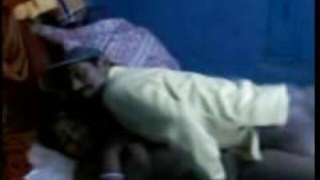 ఆమె స్నేహితుడు తో తెలుగు తెలుగు సెక్స్ వీడియోస్ భార్య ఆమె భర్త మోసం