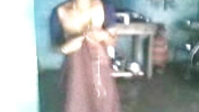 నాస్టీ వీక్షణ బాలుడు తెలుగు సెక్స్ డాట్ కాం యొక్క పాయింట్ నుండి డక్ మరియు కమ్ లుక్