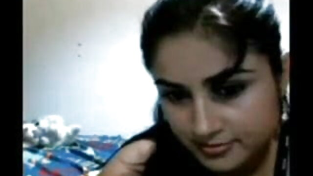 యువ పసికందు తెలుగు తెలుగు సెక్స్ masturbates on weebcam