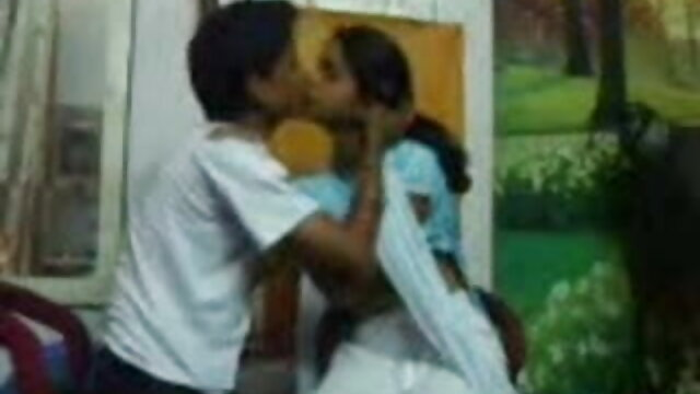 బిగ్ బెడ్ మీద మక్కువ లుక్ తెలుగు సెక్స్ వీడియో సాంగ్స్