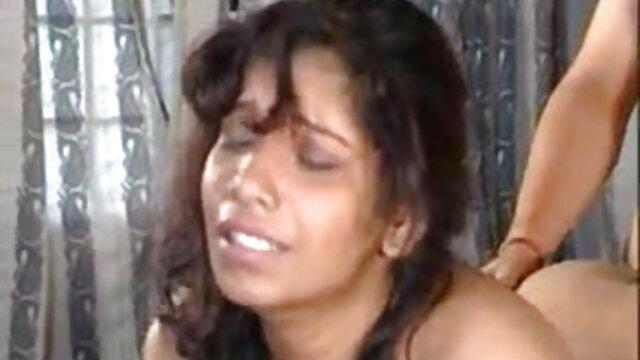 ఆమె ఉంచుతుంది తెలుగు సెక్స్ మూవీ అమ్మాయి మానభంగం కనికరం
