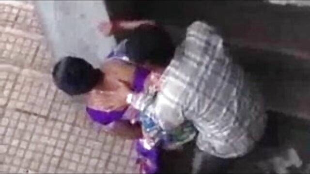 రాగి జుట్టు alikakiss పనిమనిషిని ఆమె పెద్ద tits తో కూర్చుని తెలుగు న్యూ సెక్స్ వీడియో ఆమె తిరిగి మాటలను మరియు లభిస్తుంది.