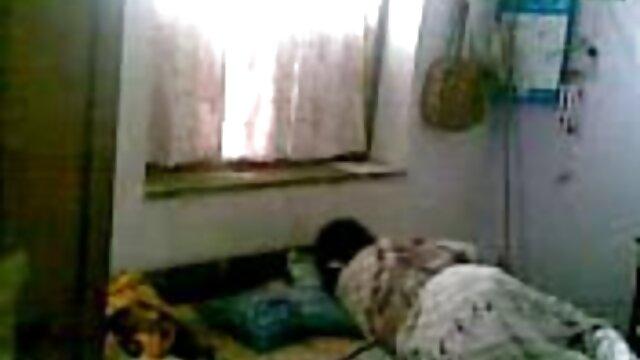 ఒక సెక్స్ వీడియో తెలుగు సెక్స్ వీడియో అమ్మాయి ఆమె తండ్రి యొక్క సహోద్యోగి నుండి వస్తుంది