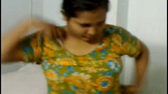 తల్లి అతనికి కొద్దిగా సమయం కలిగి ఉండగా తెలుగు హీరోయిన్ సెక్స్ వీడియో తండ్రి గజా