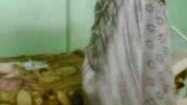 వేడి మైనపు తో పరిపక్వ తెలుగుసెక్స్ పిక్చర్స్ బ్లాండ్ స్ట్రిప్ టీస్