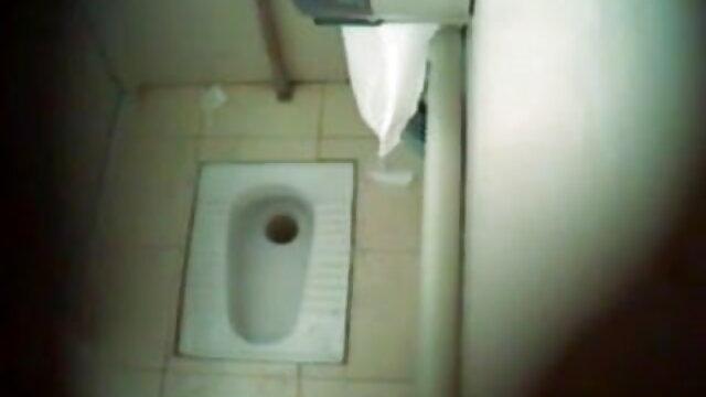 స్కీ తేలుగు సేక్స్ వీడియో రిసార్ట్ వద్ద పిక్ అప్